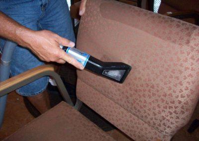 Čištění křesel a židlí 006