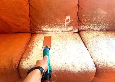 Pěnové čištění sedaček 001