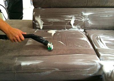 Pěnové čištění sedaček 005